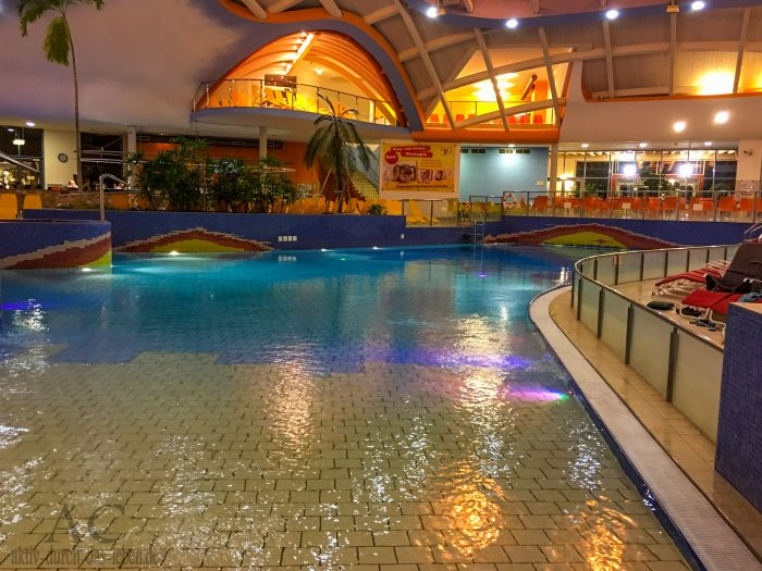H2O Therme Bad Waltersdorf Wellenbecken